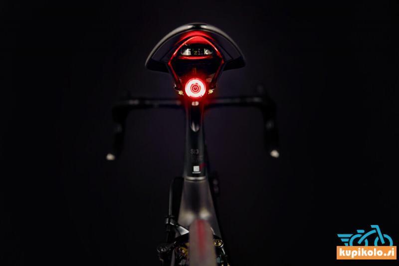 Zadnja kolesarska svetilka LED Gaciron W10BS - pametni senzor